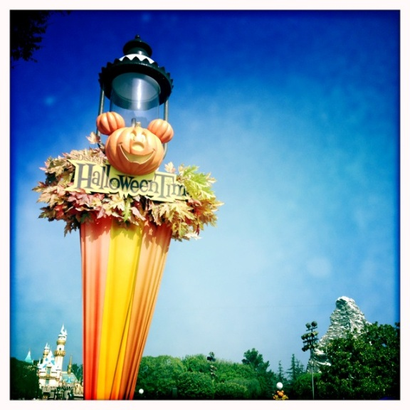 Halloween Time @ Disneyland by 2 Miss Mouses